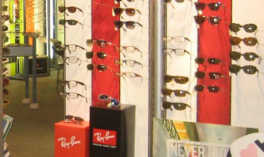 f83bf20fe9e528 Große Auswahl an Top-Sonnenbrillen von Ray Ban, Oakley uvm. Augenoptiker in  Moers